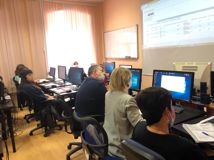 Фото с совещания - Оценка по модели PISA
